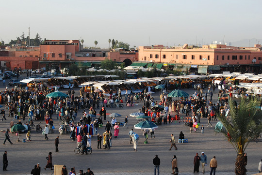 Place Djamaa El-Fna à Marrakech (photo Christelle Marot)