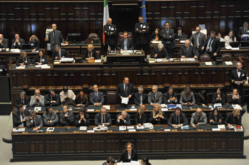 Intervention de Silvio Berlusconi avant le vote test. (photo gouvernement italien)