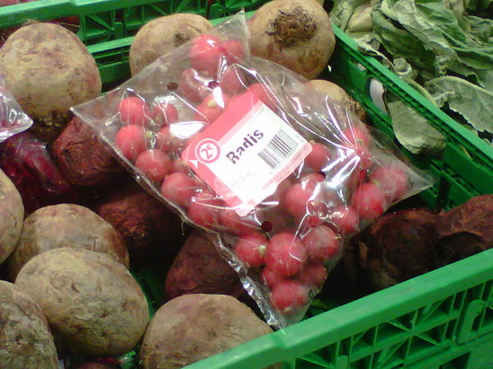 The consumer can read the batch numbers on fruit and vegetable packages. (N.B.C)