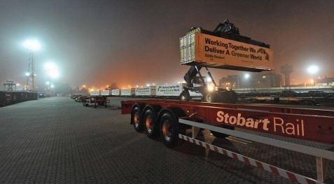 30 45-foot refrigerated containers loaded with fruit and vegetables are delivered weekly by rail between Spain and Great Britain.  (Photo Stobart)