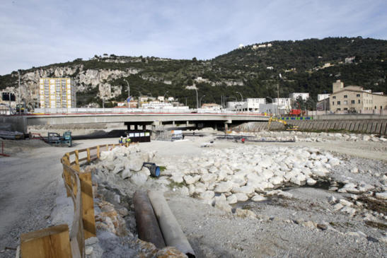 Pour réduire la pollution urbain, Nice mise plus sur le tramway que sur la restriction de la circulation (photo ville de Nice)