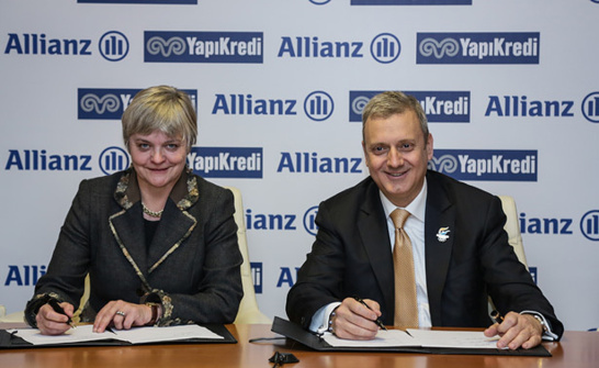 La signature de l'accord entre Allianz et Yapi Kredi Sigorta (photo Allianz)