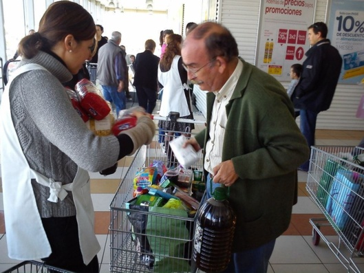 De plus en plus de familles dépendent des associations caritatives (photo : Banco de Alimentos)