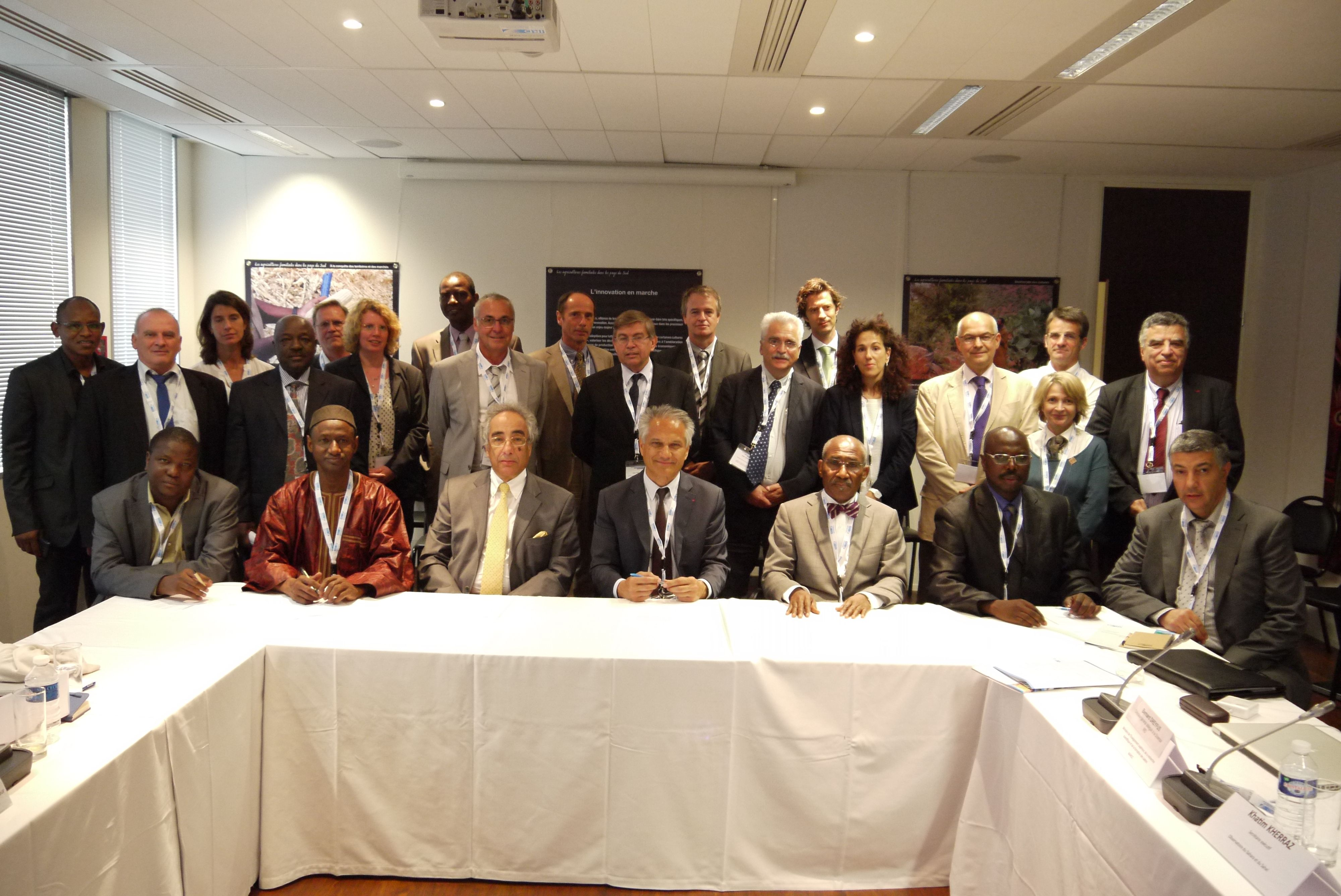 Participants au séminaire de lancement de l'initiative Sahel-Maghreb (photo P. Chanard)