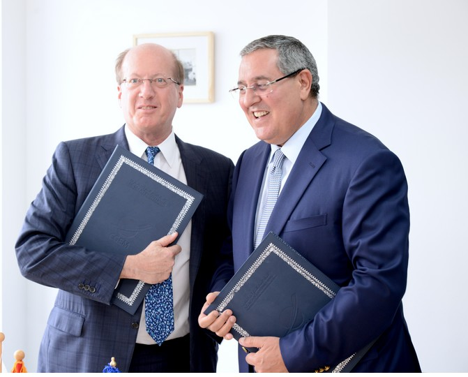 Salah-Eddine Kadmiri, Vice-Président Général de la CGEM, et Philip Bennett, First Vice President and Chief Operating Officer à la BERD. (photo: CGEM)