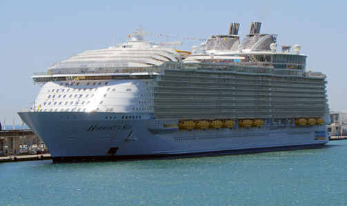 L'Harmony of the Seas a préféré éviter Marseille (photo F.Mateo)